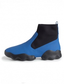 Dub Camper high-top sneakers in black and electric blue