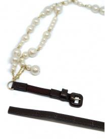 Collana As Know As con perle bianche fibbia nera