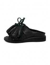 Zucca sandali in pelle nera con nappine